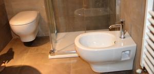 A bathroom at Appartamenti Ponte Vecchio