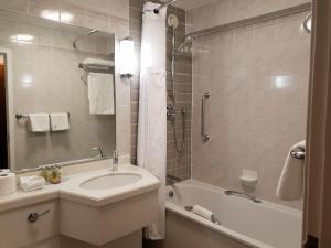 A bathroom at Hilton London Watford