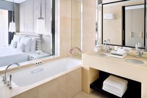 A bathroom at Address Dubai Mall