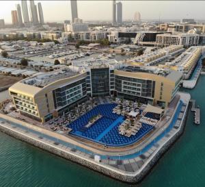 منظر فندق ومنتجع رويال ام ابوظبي  من الأعلى