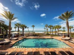 The swimming pool at or near Hyatt Residence Club Sarasota, Siesta Key Beach