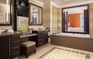 A bathroom at Hyatt Residence Club Sarasota, Siesta Key Beach