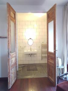 Een badkamer bij SintAnna B&B PetitHotel