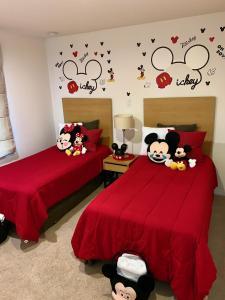 A bed or beds in a room at Villa Encantada