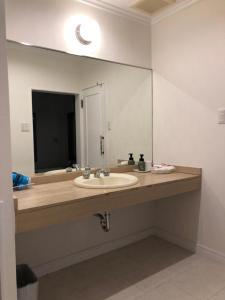 A bathroom at Sea Style Resort OCEAN