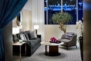 A seating area at Address Dubai Mall