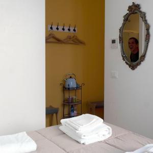 貝洛旅舍房間的床