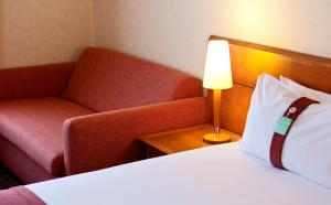 A seating area at Holiday Inn Gent Expo, an IHG Hotel