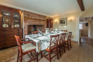 A restaurant or other place to eat at The Old Rectory