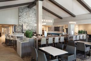 A restaurant or other place to eat at Residence Inn by Marriott Orlando at SeaWorld
