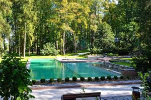 Bazén v ubytování Zámek Ratměřice - Hotel & Resort nebo v jeho okolí