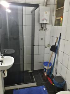 Um banheiro em Apartamento Nossa Senhora
