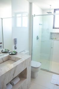 A bathroom at Meridiano Hotel
