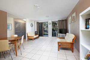 A seating area at Levuka Unit 4, 14 Moreton Pde. Kings Beach