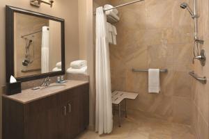 A bathroom at Hyatt House Minot- North Dakota