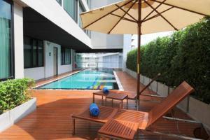 The swimming pool at or near Vic3 Bangkok