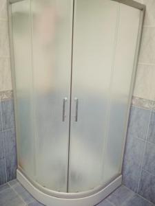 Um banheiro em BAKU CITY CENTR 2. Bedrooms 2.