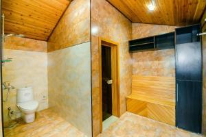Um banheiro em BAKU CITY CENTER 4. Bedrooms 4.