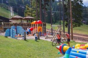 Termag Hotel Jahorina tesisinde çocuk oyun alanı