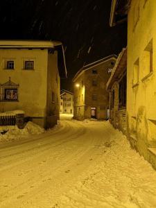 Ferienhaus Septimer during the winter