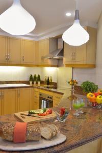مطبخ أو مطبخ صغير في سمرست الفاتح البحرين