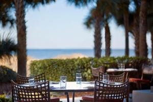 A restaurant or other place to eat at The Ritz-Carlton, Amelia Island