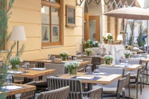 A restaurant or other place to eat at Small Luxury Hotel Goldgasse