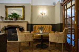 A seating area at Hatton Court Hotel