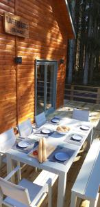 A restaurant or other place to eat at Chalet Tjaffers lodge