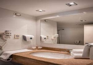 Hotel Astral Nirvana Club- Half Board Premiumにあるバスルーム
