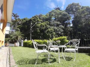 A garden outside Hotel Pousada Palacio de Cristal