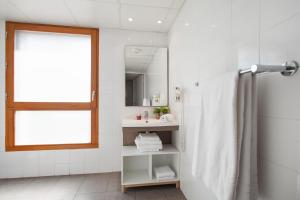 A bathroom at Appart'City Marseille Euromed