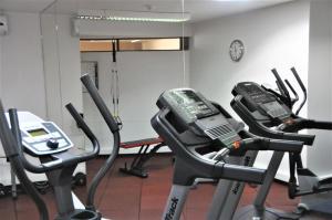 Gimnasio o instalaciones de fitness de Hotel Dom Henrique - Downtown