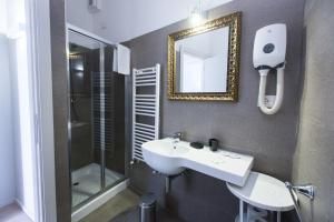 A bathroom at Alla Marina Affittacamere