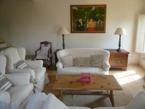 A seating area at Rondona