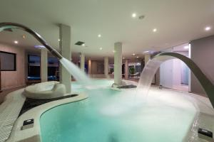The swimming pool at or near Hotel & Spa Cordial Roca Negra