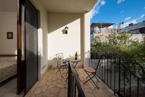 Balcone o terrazza di appartamento giardini primo