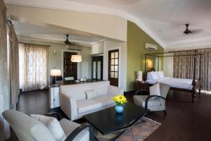 A seating area at Sol De Goa by Sereno