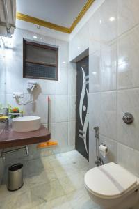 Un baño de Hotel Harmony