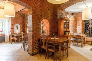 Restauracja lub miejsce do jedzenia w obiekcie Villa Red by Columbus Ustka