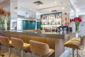 The lounge or bar area at Radisson Recife