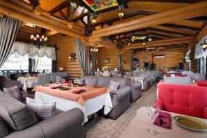 Ресторан / где поесть в Отель Парк Родник