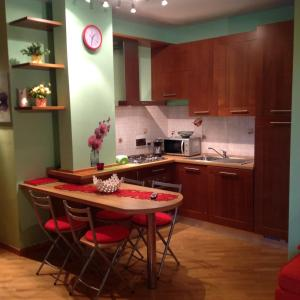 Cucina o angolo cottura di One-Bedroom Apartment in Montevarchi I