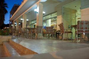 Ресторан / где поесть в Tylos Beach Hotel