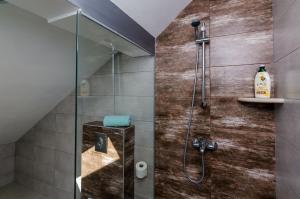A bathroom at Superior apartment Nike