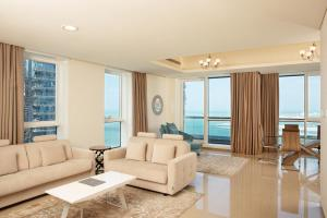 Een zitgedeelte bij Barceló Residences Dubai Marina