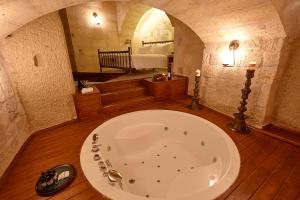 A bathroom at Exedra Cappadocia