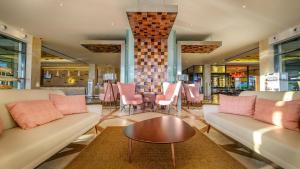 A área de bar ou lounge em Real Marina Hotel & Spa