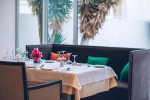 Een restaurant of ander eetgelegenheid bij Iberostar Mehari Djerba