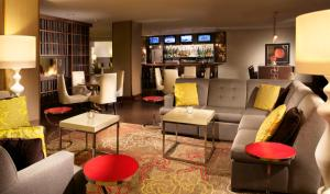 The lounge or bar area at Omaha Marriott